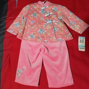 Baby girl pink outfit.
